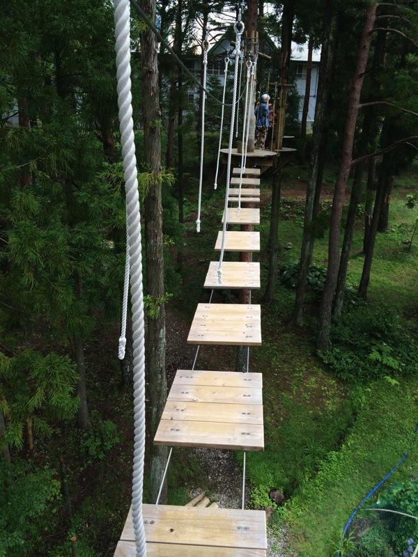 縄の吊り橋