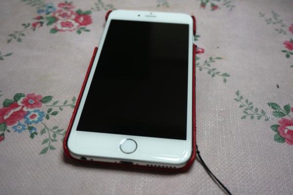 ガラスフィルムを貼ったiPhone6Plus