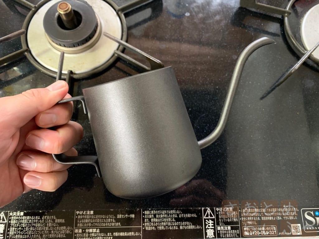 コーヒーポットの全長の写真