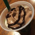 [シーズン限定カスタマイズ]スタバの抹茶クリームフラペチーノのチョコレートホイップカスタマイズをいただきました!